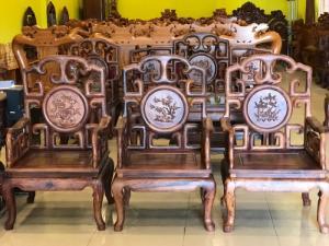 Bộ bàn ghế triện móc tựa chạm tứ quý 100% gỗ cẩm lai 10 món – BBG410