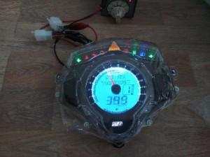 Đồng hồ điện tử Uma xe exciter