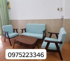 Bàn ghế với chất lượng tốt giá cả phù hợp nhất còn ưu đãi giá cả cho khách hàng