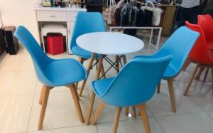 Ghế nhựa đúc dùng cho các công trình quán : cafê,nhà hàng,quán ăn,bar,resort…