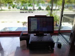 Lắp đặt máy tính tiền cho quán gà rán – quán ăn vặt Vĩnh Long