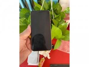 Iphone 11 Pro Max 64gb Trắng Qte đẹp 99% nguyên zin