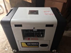 Địa chỉ bán máy phát điện Honda SD7800ec,máy phát điện chạy dầu 5kw giá rẻ ất