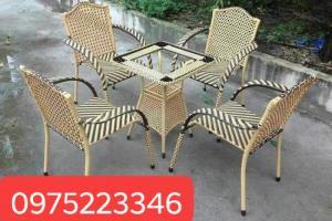 Công ty chuyên sản xuất các loại bàn ghế mây nhựa..