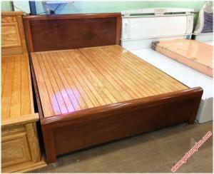 Giường ngủ gỗ xoan đào dát phản kẻ chỉ 1m6