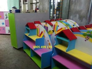 Đồ chơi cho trẻ mầm non , kệ gỗ trang trí cho trường mãu giáo