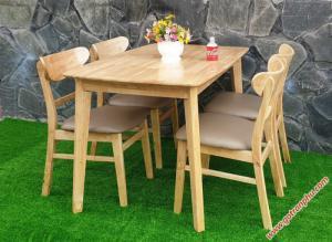 Bàn ăn gỗ tự nhiên gỗ cao su 4 ghế cao cấp