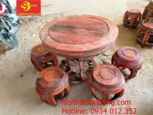 Top những bộ bàn để sân vườn đẹp gỗ tốt