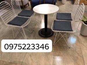 Bộ bàn ghế nhà hàng cafe sân vườn  giá siêu rẻ..