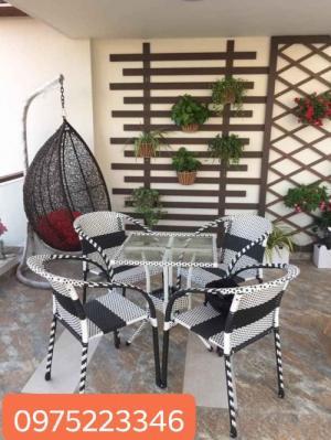 Bàn Ghế cafe Đẹp Quang ĐẠI cần thanh lý gấp số lượng lớn bàn ghế..