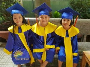 Cung cấp lễ phục tốt nghiệp cho trẻ em mầm...