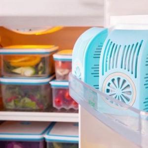 2020-06-03 19:16:13  10 Hộp khử mùi tủ lạnh   - Sản phẩm sử dụng chất hấp thụ từ thiên nhiên: than tre, vỏ dừa... - Sản phẩm là sự kết hợp của công nghệ nano và than hoạt tính, các tinh thể kim loại bạc giúp hấp thụ và tự khử các khí tạo mùi như H2S, etylen, metan, NxO.. giúp cho thức ăn trong tủ lạnh luôn tươi ngon. - Được dùng để khử mùi, diệt vi khuẩn, khí độc, ngăn cản sự lây lan mùi thực phẩm trong tủ. - Đặc biệt, hạn chế việc đóng tuyết cho tủ. - Chỉ ngay trong tuần đầu tiên sẽ thấy được hiệu quả.   70k/cặp Đồ gia dụng các loại 140,000