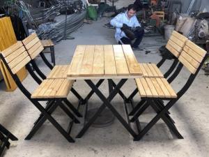 Bàn ghế quán nhậu chân sắc sơn tỉnh điện mặt bằng gổ làm tại xưởng sản xuất A