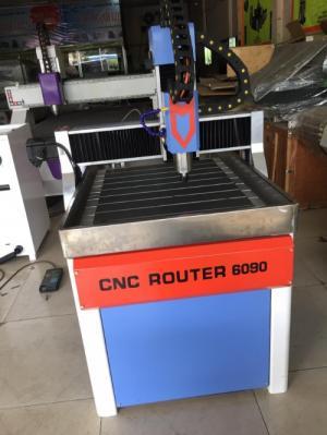 Máy cnc 6090 dùng cho chạm khắc tượng gỗ, sản xuất đồ nội thất, thủ công