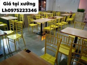 Bàn ghế dùng cho quán ăn nhà hàng sang trọng..