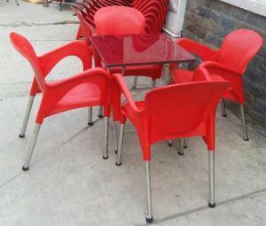 Cần thanh lý số lượng lớn ghế nhựa chân inox giá rẻ..