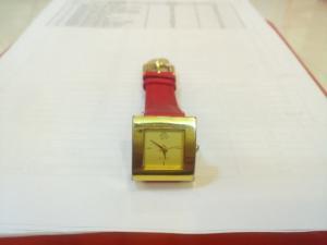 Đồng hồ quartz Nữ dây da kiểu dáng đẹp .