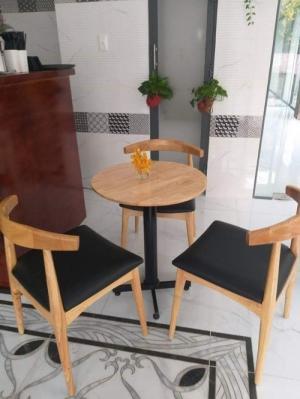 Cần bán bàn ghế cafe hàng xuất khẩu giá cả cạnh tranh..