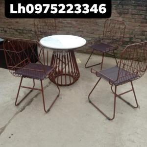 Nội thất cafe đẹp Quang ĐẠI chuyên cung cấp ô dù và bàn ghế..