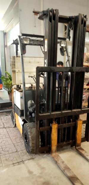 Xe nâng điện ngồi lái 1500kg 3 mét TCM-Nhật
