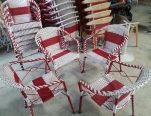 Bộ bàn ghế cafe nhựa giả mây(Trắng + Đỏ)