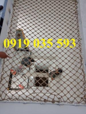 Lưới giếng trời an toàn nằm thư giãn,lưới dây thừng trang trí an toàn