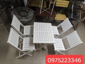 Bàn ghế gỗ dành cho quán càfe mini giá rất rẻ..