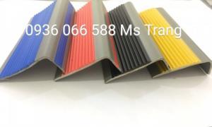 Nẹp nhựa PVC nẹp chống trơn ốp mũi bậc cầu thang, PVC nhựa