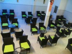 Bàn ghế cafe giá rẻ ghế mây nhựa