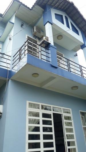 Bán đất và 2 căn nhà, MT Phạm Ngọc Thạch, DT517m2, TC85m2, SHR, 18 tỷ.