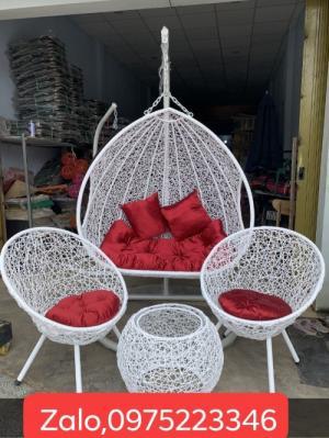 Bộ đôi xích đu và bàn ghế cùng màu mẫu giá tại nơi sản xuất