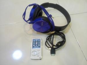 Máy nghe nhạc Sony NW-A805 & tai nghe .
