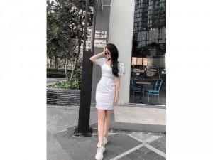 Đầm váy nữ trắng xô nhín cổ vuông viền
