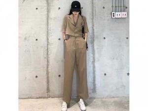 Set nữ áo vest croptop có 2 màu nude đen