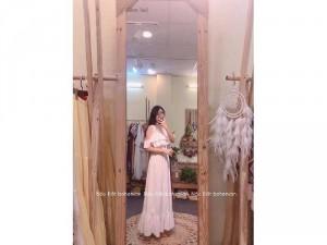 Đầm váy nữ maxi trắng khoét vai bèo tầng