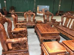 Bộ bàn ghế gỗ cẩm lai chạm nghê VIp cột 14