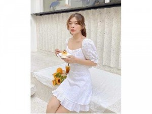Đầm váy nữ xòe hoa cúc cột nơ hở lưng