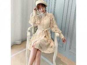 Đầm váy nữ ren nút bọc tay dài phồng