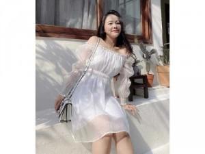 Đầm váy nữ trắng bẹt vai ngực tay phồng
