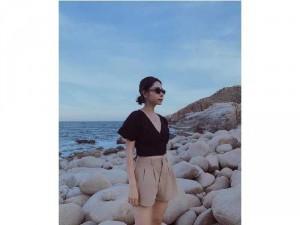 Set nữ áo croptop hở lưng đen quần short
