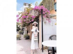 Đầm váy nữ midi trắng bẹt vai thắt nơ đe