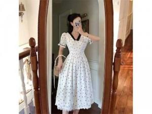 2020-07-04 20:13:14 Đầm váy nữ trắng xòe hoa nhí tay phồng 250,000