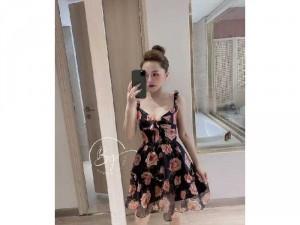 2020-07-04 21:02:11  2  Đầm váy nữ 2 dây hoa xòe nơ ngực có 2màu 240,000