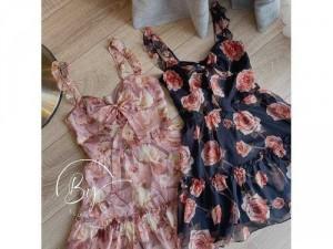 2020-07-04 21:02:11  5  Đầm váy nữ 2 dây hoa xòe nơ ngực có 2màu 240,000
