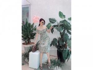 2020-07-04 21:40:18  3  Đầm váy nữ bẹt vai midi hoa rút thân xẻ 240,000