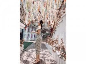 2020-07-04 21:40:18  4  Đầm váy nữ bẹt vai midi hoa rút thân xẻ 240,000