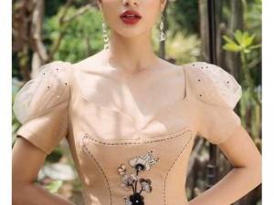 2020-07-04 22:36:24  4  Đầm váy nữ xòe cổ U thêu hoa tay phồng 260,000