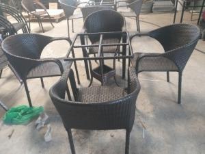 Bàn ghế cafe nhựa giả mây giá thanh lý..