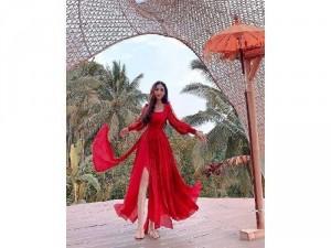 Đầm váy nữ maxi đỏ bèo hở vai tay dài
