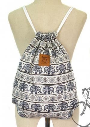 Xưởng may túi xách nữ, túi dây rút, túi các loại